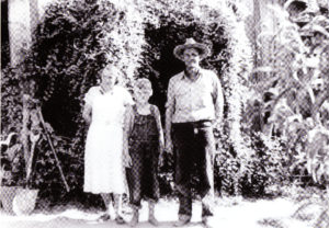 Dick and Julia Edmonds at cabin 1937